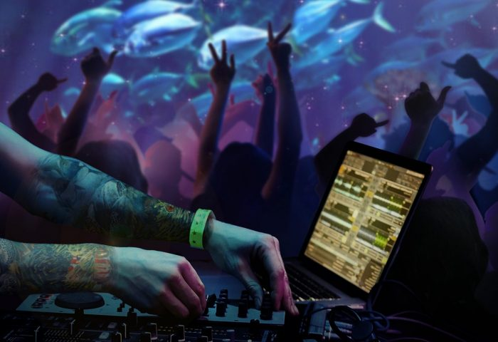 Andasi Phuket: underwater bar and lounge DJ